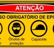 """Placa """"Uso obrigatório de EPis"""". tam.50 x 30 cm."""